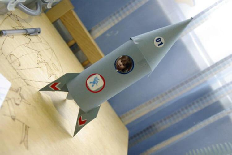 Как сделать ракету своими руками: поделка для сада и школы Podelka raketa 70