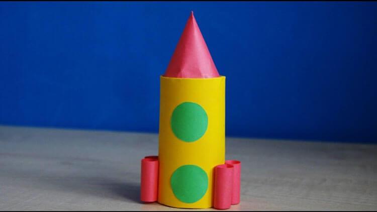 Как сделать ракету своими руками: поделка для сада и школы Podelka raketa 8