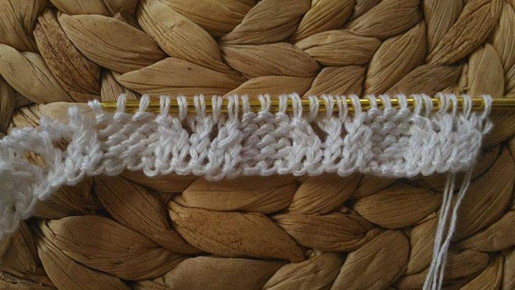 Как связать манишку спицами, которая защитит вас от холода kak svyazat spicami manishku 19