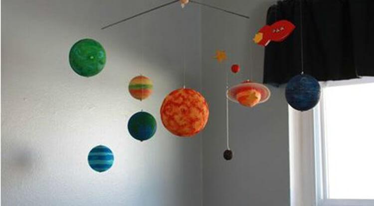 Интересные поделки для школы и садика на день Космонавтики podelki svoimi rukami ko dnyu kosmonavtiki 20