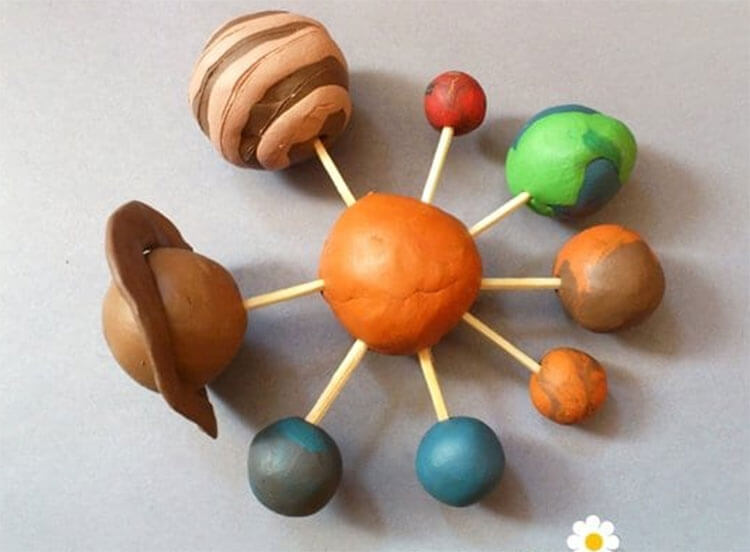 Интересные поделки для школы и садика на день Космонавтики podelki svoimi rukami ko dnyu kosmonavtiki 86