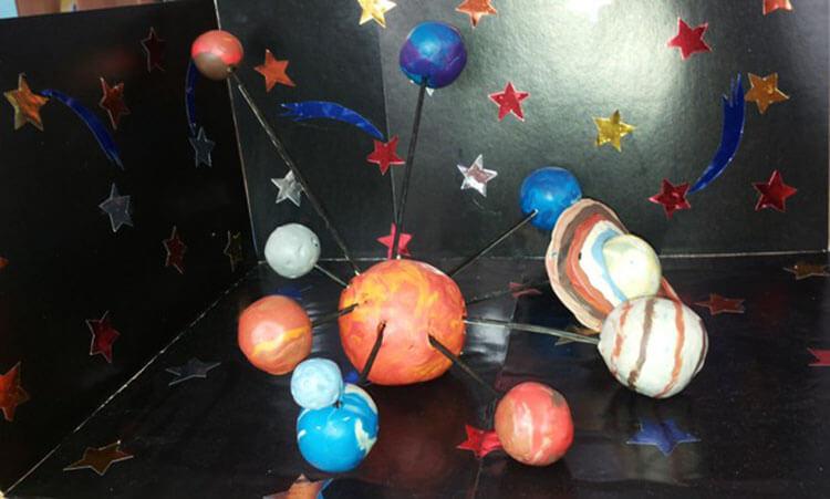 Интересные поделки для школы и садика на день Космонавтики podelki svoimi rukami ko dnyu kosmonavtiki 88