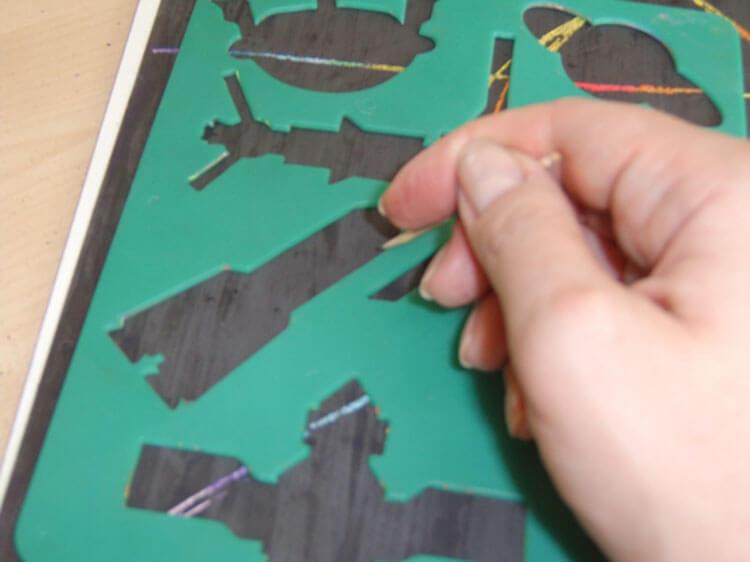Как нарисовать рисунок на день космонавтики для сада и школы risunok na den kosmonavtiki dlya detej 44
