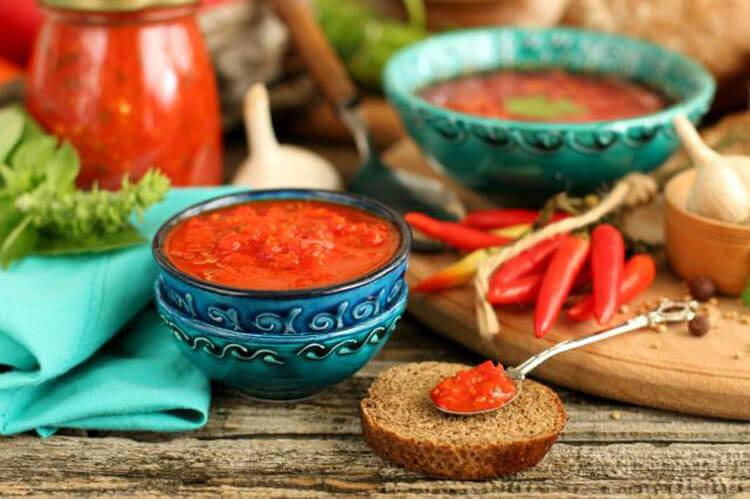 Как приготовить аджику из помидор на зиму: рецепты пальчики оближешь adzhika iz pomidorov i percev na zimu 15