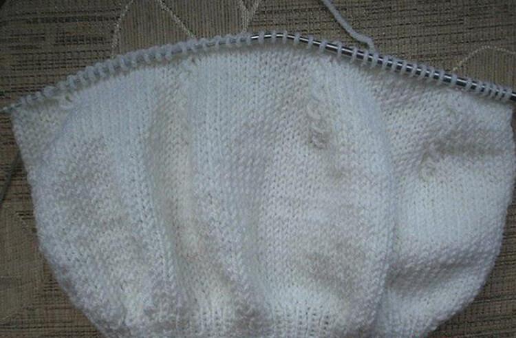 Женский берет спицами: как связать спицами модный головной убор kak svyazat spicami beret 22