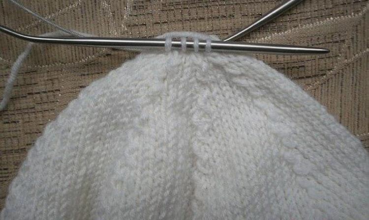 Женский берет спицами: как связать спицами модный головной убор kak svyazat spicami beret 23