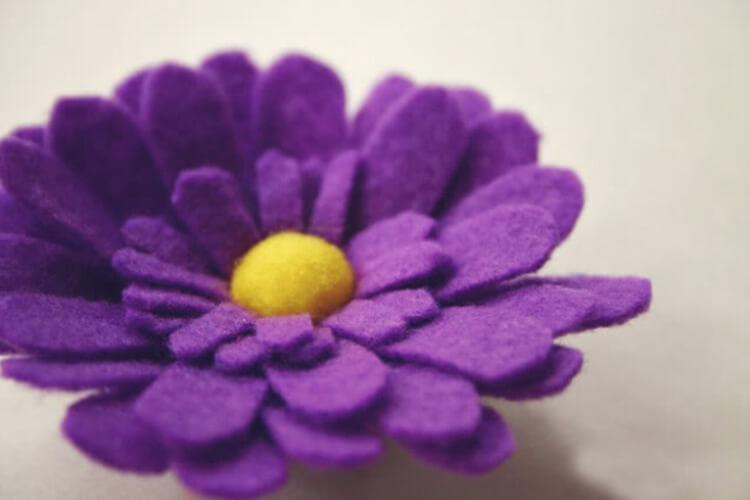 Делаем цветок ромашка своими руками из различных материалов romashki svoimi rukami 167