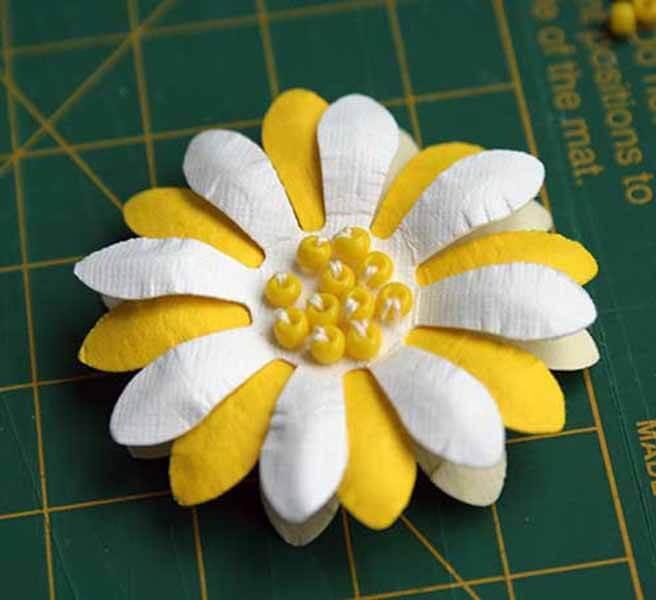 Делаем цветок ромашка своими руками из различных материалов romashki svoimi rukami 50