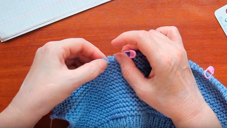 Как связать шапочку спицами для новорожденных: красивый головной убор для самых маленьких shapochka dlya novorozhdennyh spicami 24