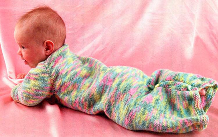 Вяжем красивый конверт спицами для новорожденного малыша detskij konvert spicami opisanie 9