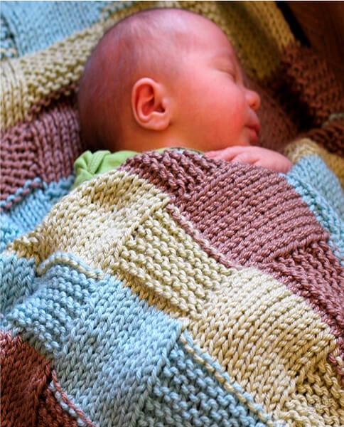 Плед для новорожденного: вяжем спицами для мальчика и девочки pled detskij spicami dlya novorozhdennyh 11