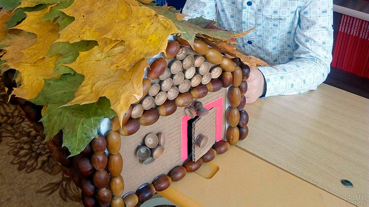 Детские поделки на тему Осень из желудей для школы и садика detskie podelki svoimi rukami iz zheludej 50
