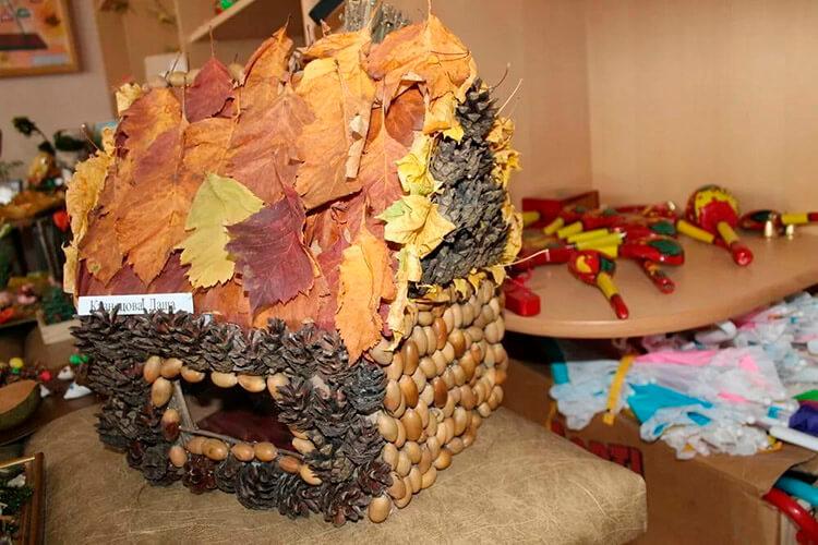 Детские поделки на тему Осень из желудей для школы и садика detskie podelki svoimi rukami iz zheludej 51