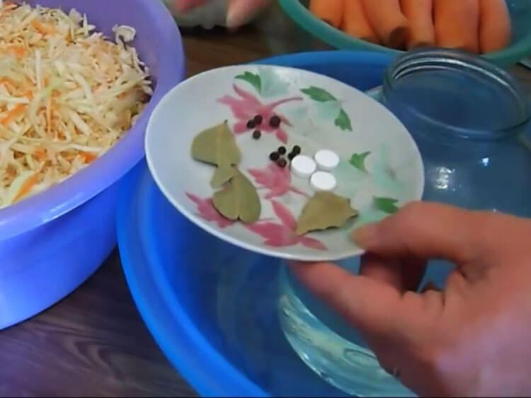 Квашеная капуста в банке: вкусные рецепты на зиму kapusta recept klassicheskij v banke 20