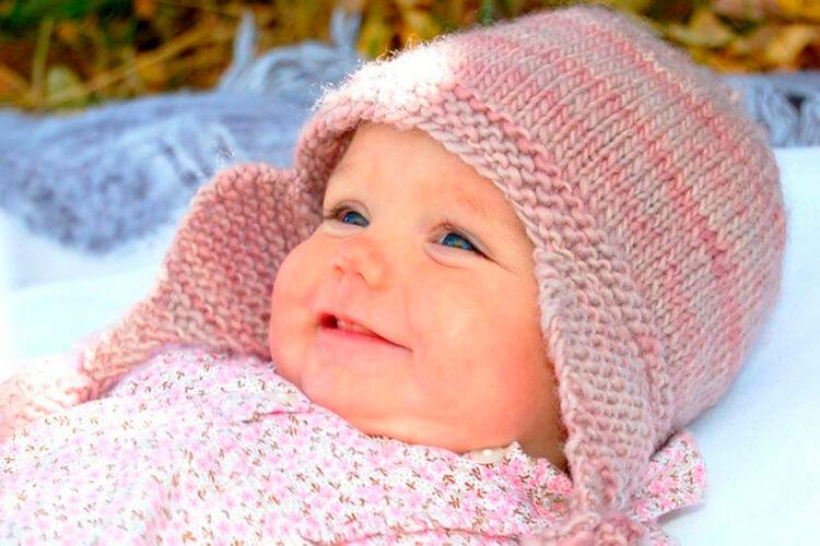 Чепчик для новорожденного: красивый головной убор спицами chepchik dlya novorozhdennogo spicami 1
