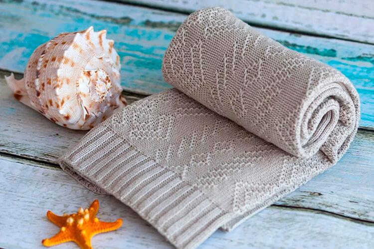 Теплое и красивое одеяло спицами для новорожденных detskoe odeyalo dlya novorozhdennogo spicami 1