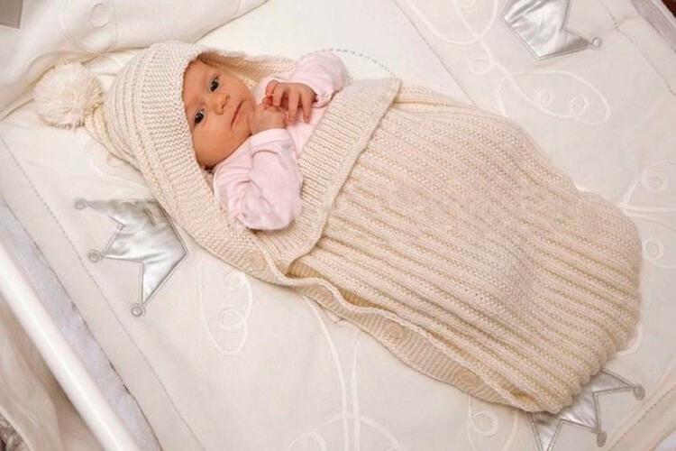 Теплое и красивое одеяло спицами для новорожденных detskoe odeyalo dlya novorozhdennogo spicami 15
