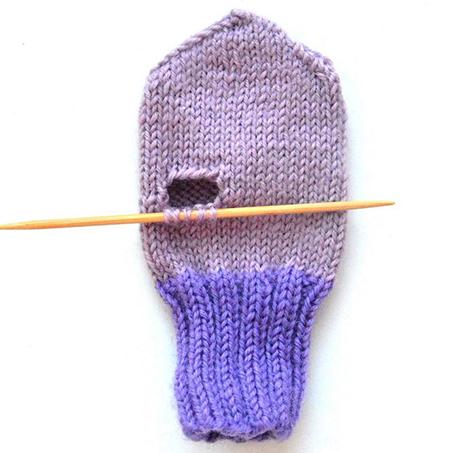 Красивые варежки для девочки спицами: защищаем ручки зимой varezhki spicami dlya devochki 22