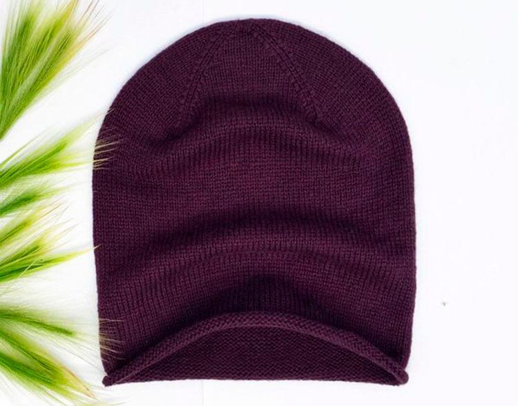 Красивые шапки для девочки: вяжем спицами на зиму shapka spicami dlya devochki 17