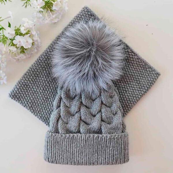 Красивые шапки для девочки: вяжем спицами на зиму shapka spicami dlya devochki 29