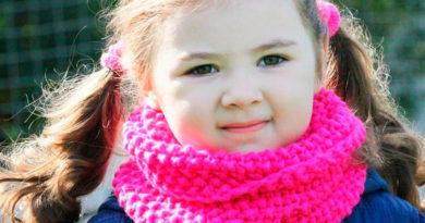 Красивый детский шарф спицами: защищаем горло ребенка в холода