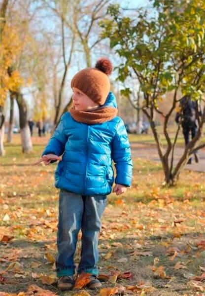 Красивый детский шарф спицами: защищаем горло ребенка в холода sharf detskij spicami 44